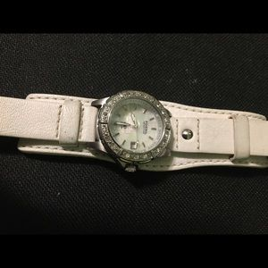White lthr Fossil watch, shell; Inc. new battery
